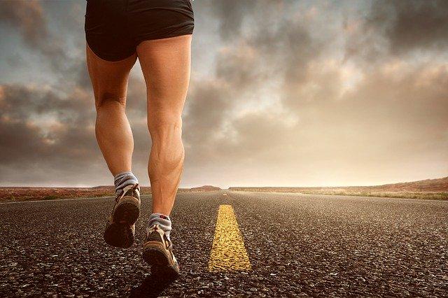 běžící člověk