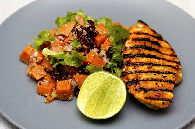quinoa salát