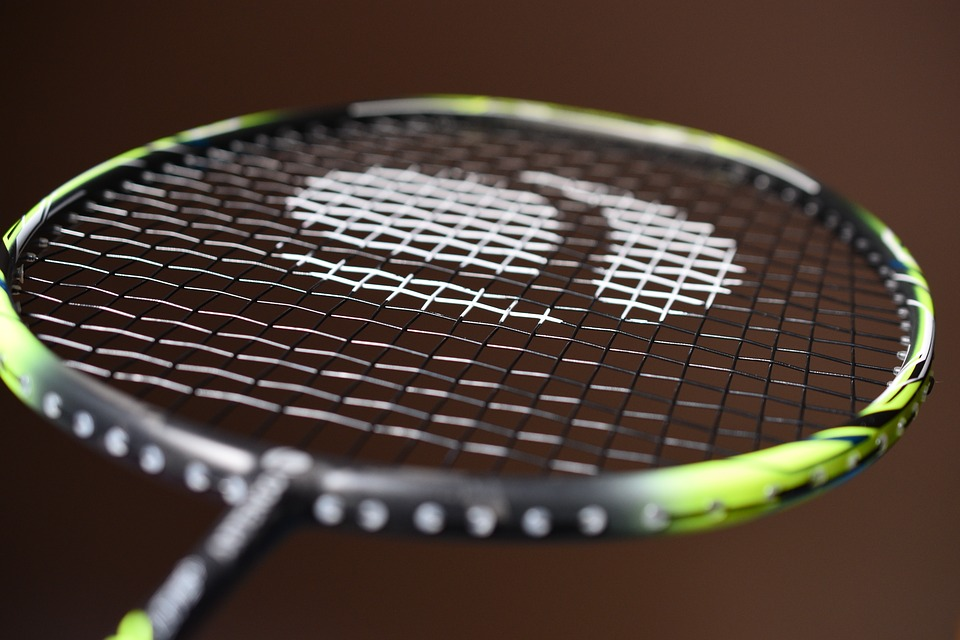 racket-4164387_960_720
